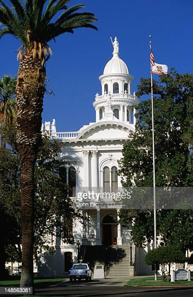old merced county courthouse, merced. - マーセド郡 ストックフォトと画像