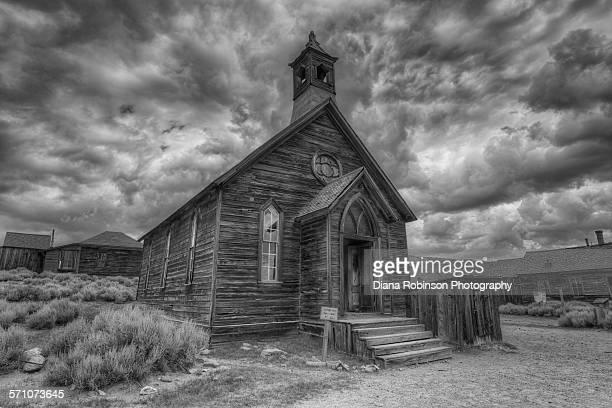 old methodist church in bodie ghost town - methodist church stockfoto's en -beelden