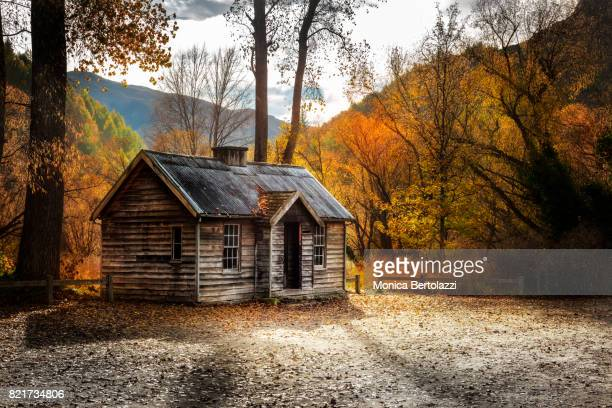 old miners' cottage in arrowtown, new zealand - arrowtown stock pictures, royalty-free photos & images