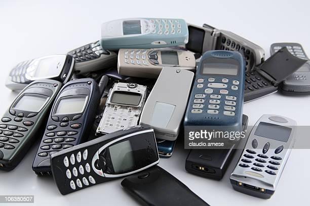 旧携帯電話ください。カラー画像