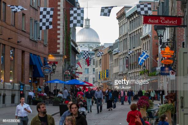 old montreal street scene - vieux montréal stock pictures, royalty-free photos & images