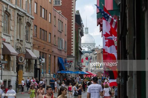 old montreal tourism - vieux montréal stock pictures, royalty-free photos & images