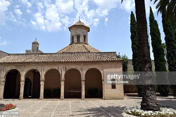 old mosque in the real alcázar de jerez. - jerez de la frontera stock pictures, royalty-free photos & images