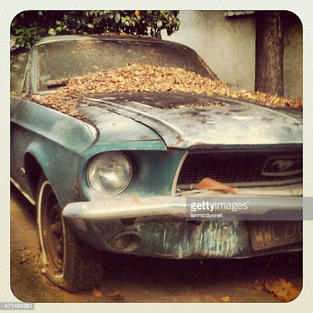 old mustang - ford mustang photos et images de collection