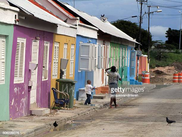 old, obsolete, colourful houses in willemstad, curacao - curaçao stockfoto's en -beelden