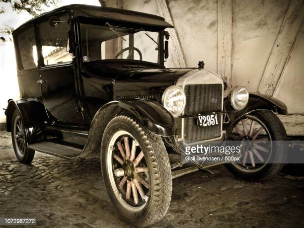 old one ... - model t ford stock pictures, royalty-free photos & images
