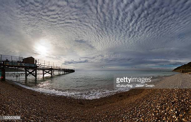 old pier in totland bay - s0ulsurfing stock pictures, royalty-free photos & images