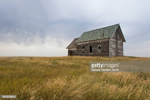 old prairie church - prairie stock pictures, royalty-free photos & images