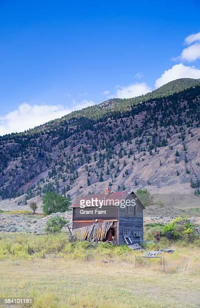 old ranch house - casa estilo rancho fotografías e imágenes de stock