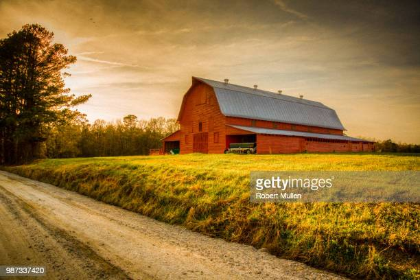 old red barn - barn stock pictures, royalty-free photos & images