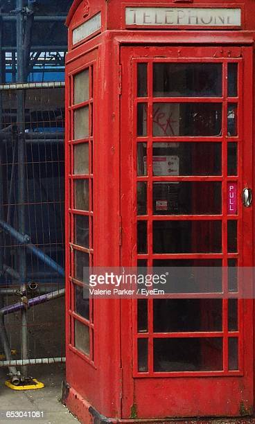old red telephone booth - red telephone box stock pictures, royalty-free photos & images