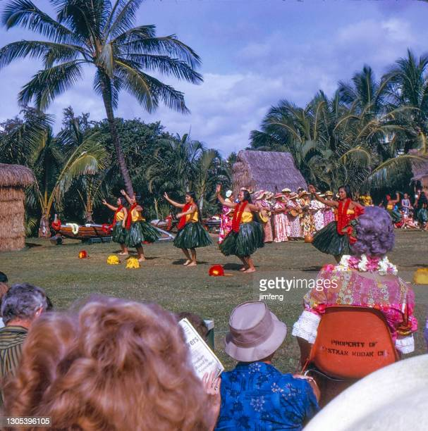 old retro vintage style positive film scan, hawaiian hula dancer in hawaii, usa - media_in_honolulu,_hawaii stock pictures, royalty-free photos & images