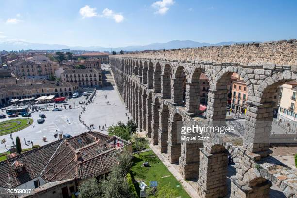 old roman aqueduct segovia - segovia stock pictures, royalty-free photos & images
