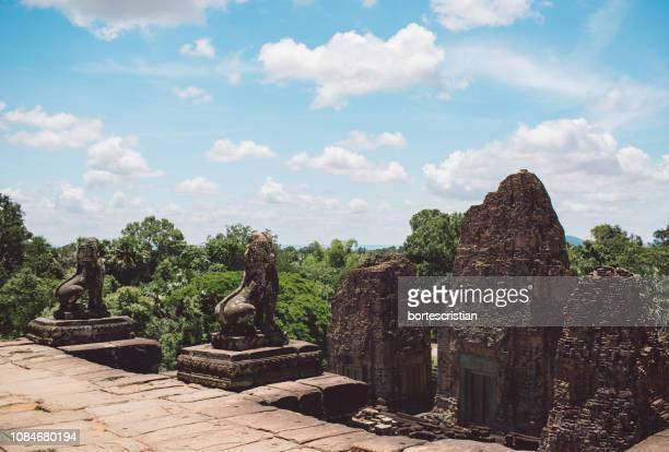 old ruins against sky - bortes ストックフォトと画像