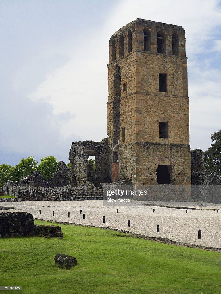 Old ruins of a church, La Merced Church, Old Panama, Panama City, Panama : Foto de stock