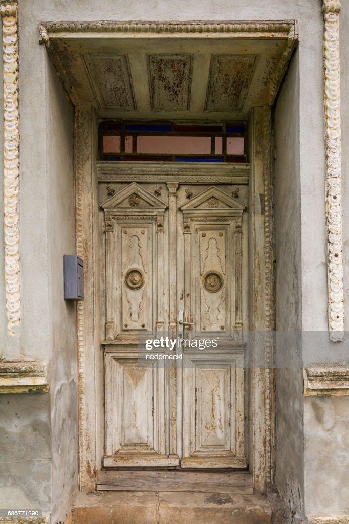 Old Rustic Wooden Door Stock-Foto - Getty Images on