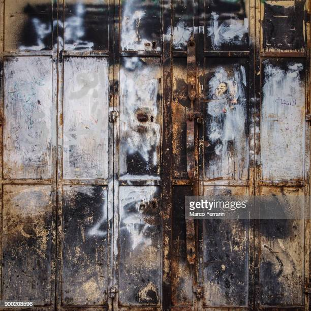 old rusty door in the old city of jerusalem - palestinian stock photos and pictures