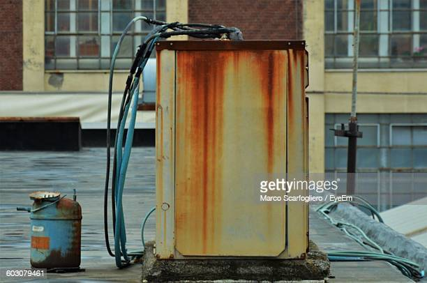 old rusty electric box outdoors - electrical box stock pictures, royalty-free photos & images