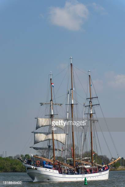"""old sailing ships at the river ijssel - """"sjoerd van der wal"""" or """"sjo"""" stock pictures, royalty-free photos & images"""