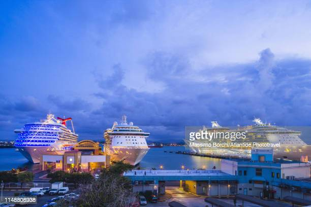 old san juan, cruise boats in the harbour - old san juan stock pictures, royalty-free photos & images