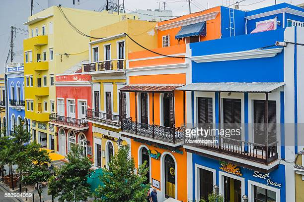 old san juan, recinto sur street - old san juan stock pictures, royalty-free photos & images