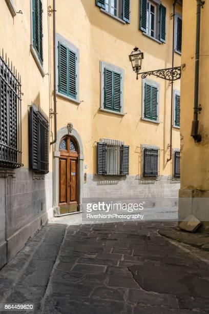 old street, florence, italie - florence douillet photos et images de collection