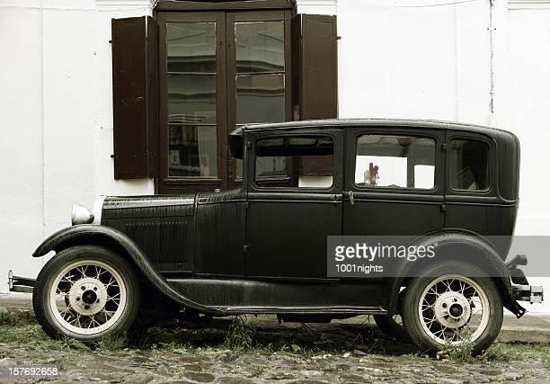 古いスタイルの車