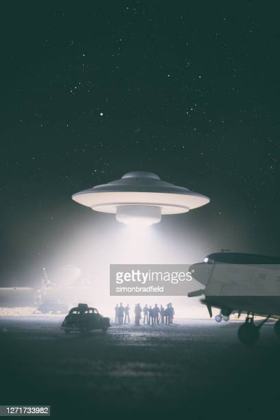 old style ufo encounter, miniature photography - entertainment event stock pictures, royalty-free photos & images