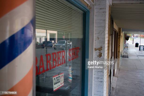 old time barbershop - barber pole stock pictures, royalty-free photos & images