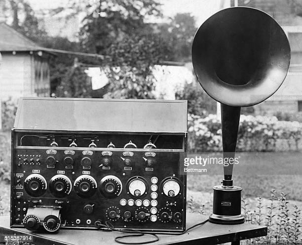 Old time crystalset loudspeaker and radio set