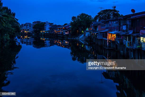 old town chanthaboon waterfront - chanthaburi stock pictures, royalty-free photos & images