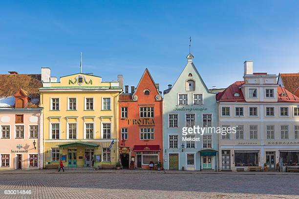 old town district with the unique baltic architecture, tallinn, estonia - marktplatz stock-fotos und bilder