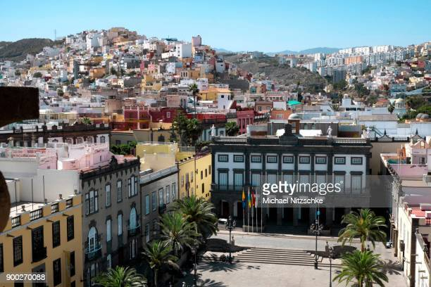 old town hall, casa consistorial, plaza de santa ana, las palmas, gran canaria, canary islands, spain - las palmas cathedral stock photos and pictures