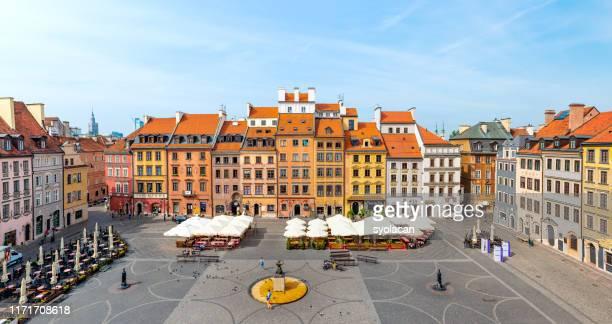 plaza del mercado de la ciudad vieja de varsovia - syolacan fotografías e imágenes de stock