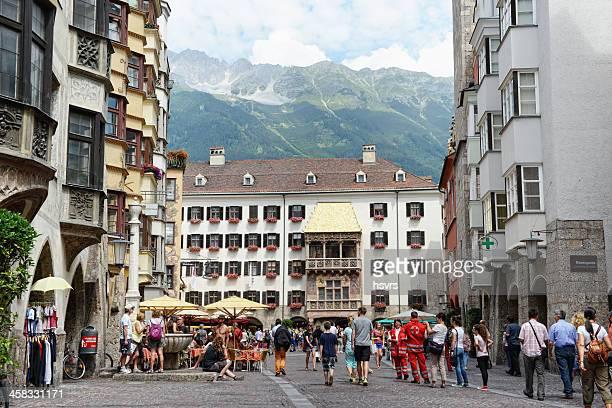 Altstadt von Innsbruck mit dem Goldenen Dach Haus
