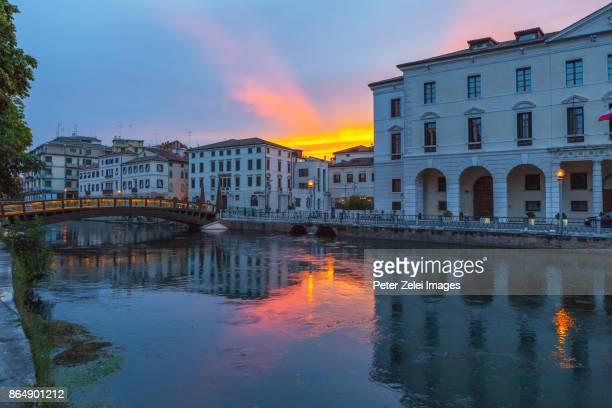 old town of treviso in veneto, italy in the night - トレヴィーゾ市 ストックフォトと画像