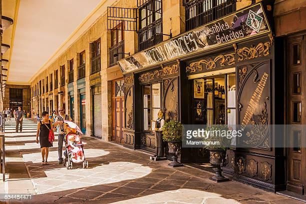 Old Town, Plaza (square) Nueva, arcades