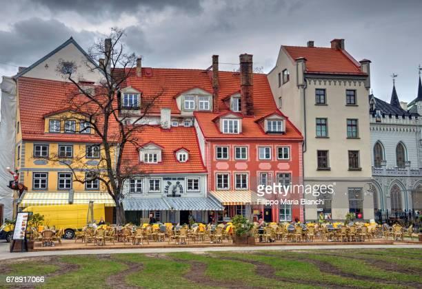 old town riga - edificio residenziale ストックフォトと画像