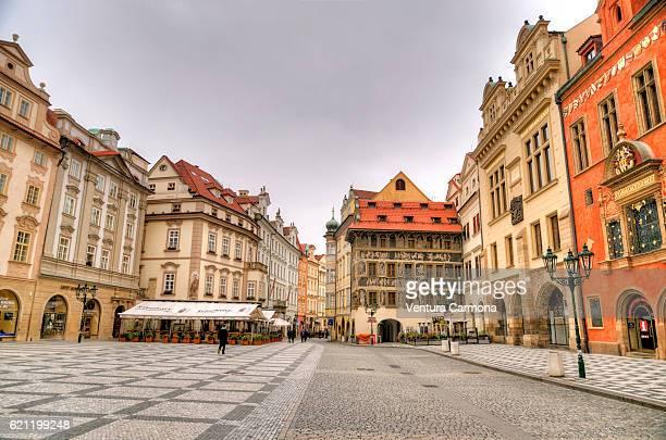 old town square - prague - プラハ 旧市街広場 ストックフォトと画像