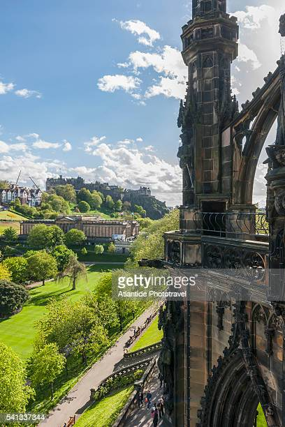 old town view from scott monument - プリンシズ通り ストックフォトと画像
