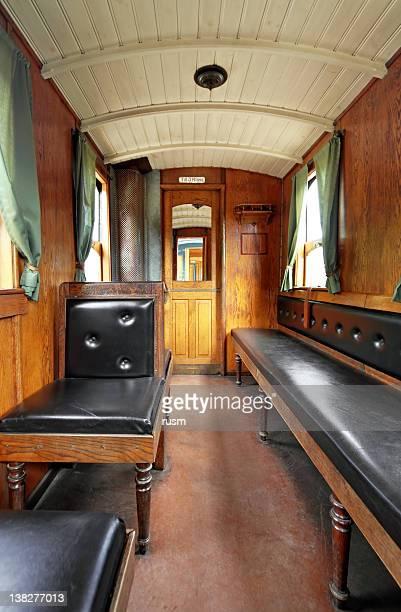 旧電車の内装
