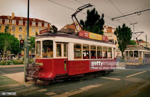 old trams at cais do sodre in lisbon - victor ovies fotografías e imágenes de stock