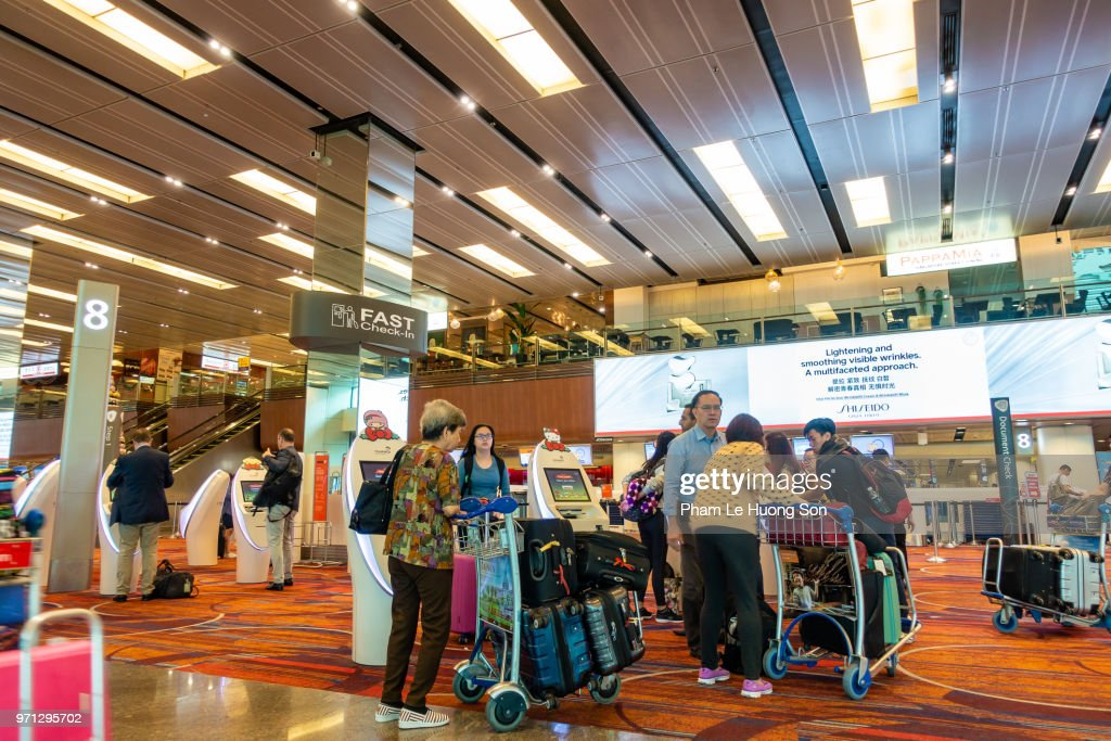 Image of: Image Old Travelers Getting Close To The Area Of Automated Checkin Machine In Changi Airport Getty Images Old Travelers Getting Close To The Area Of Automated Checkin Machine