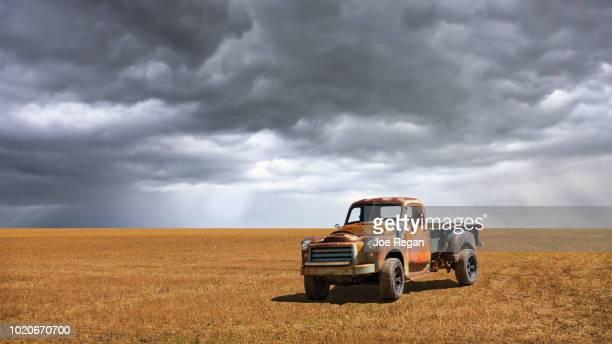 old truck - rust colored fotografías e imágenes de stock