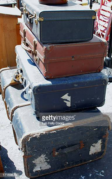 old trunk and suitcases for sale - lyn holly coorg stock pictures, royalty-free photos & images