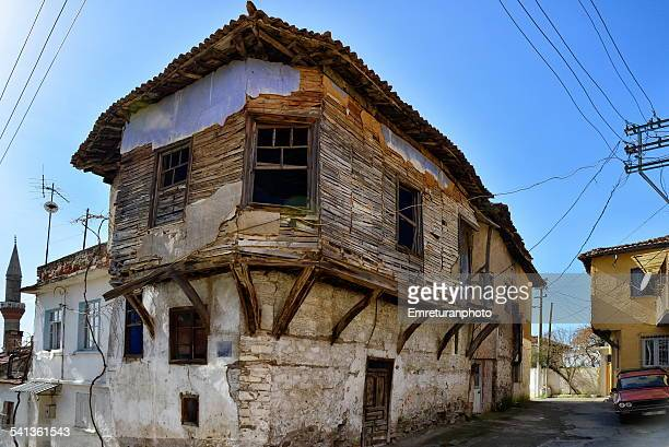 old turkish wooden house - emreturanphoto stock-fotos und bilder