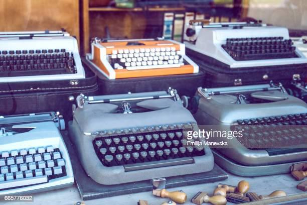 old typewriters - selo postal - fotografias e filmes do acervo