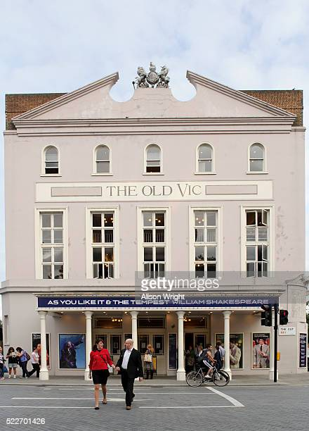 old vic theatre, waterloo - waterloo railway station london stock pictures, royalty-free photos & images