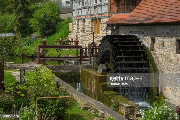 old watermill in buchfart, thuringia - mulino ad acqua foto e immagini stock