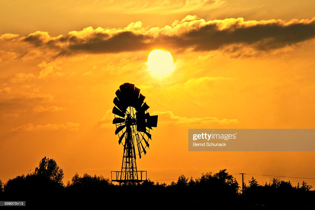 Old Windmill At Sunset : ストックフォト